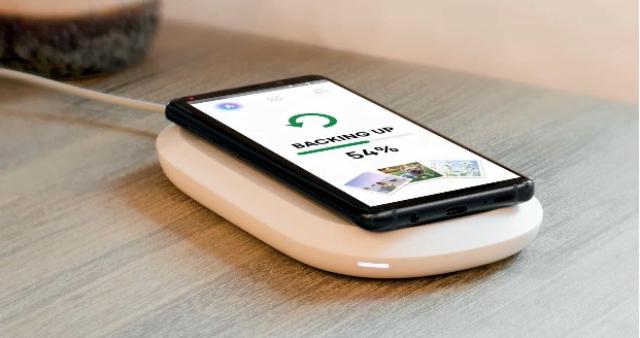 رونمایی شرکت SanDisk از یک شارژر بی سیم هیبرید